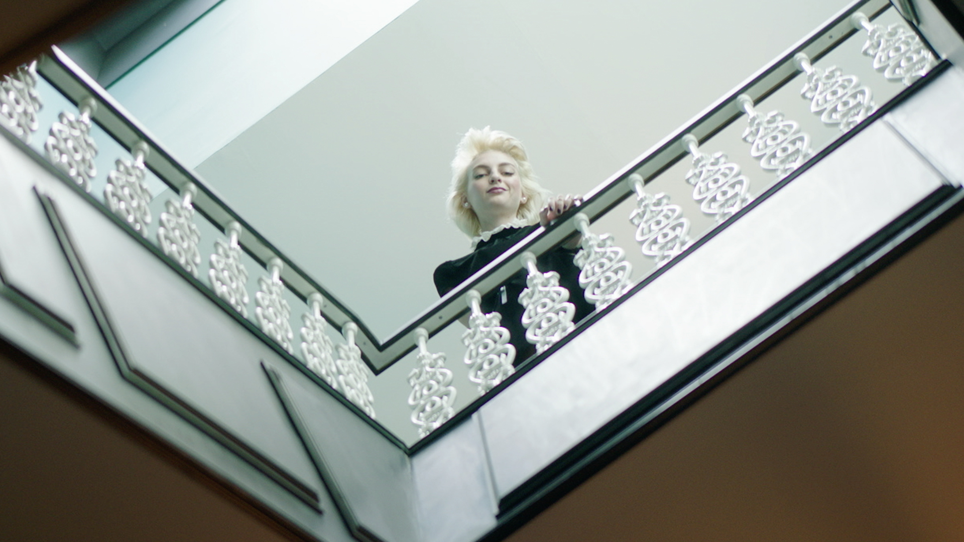 John Frieda – John Frieda Presents: THAT Blonde